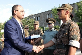 Defense Minister visits Armenia's north-eastern limit area
