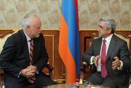Armenian President meets Lithuania's effusive envoy