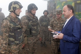 Armenian Defense Minister visits southwest limit troops units